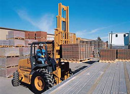 The 586G Forklift Loads a Truck