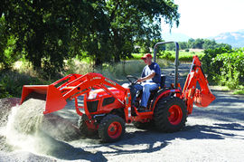Kubota B2920 Compact Tractor Details | Coleman Equipt